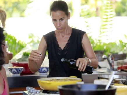 תמונה של שרון בר גיל מבשלת