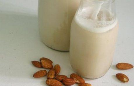 חלב שקדים ביתי